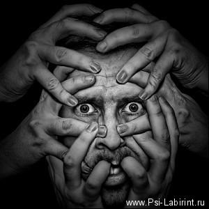 Как помочь человеку в случае бреда и галлюцинаций. Советы психолога.