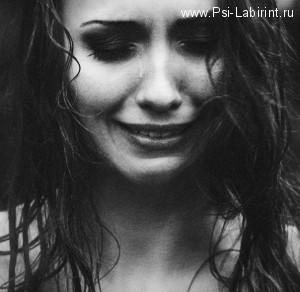 Первая психологическая помощь при плаче и истерике. Советы психолога.